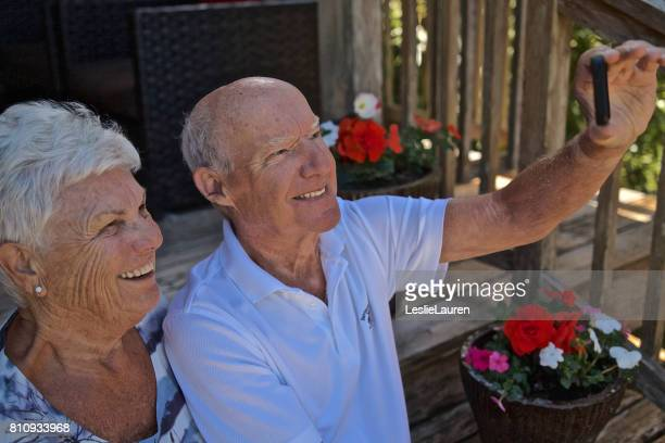 technologie - 60 69 jaar stockfoto's en -beelden