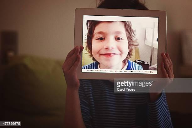 techology - viso nascosto foto e immagini stock