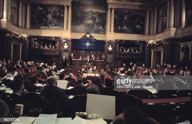Ted And Joan Kennedy In Brussels For The Twentieth Anniversary Of Nato Belgique Bruxelles 1969 Vue générale de la salle du Sénat belge lors de...