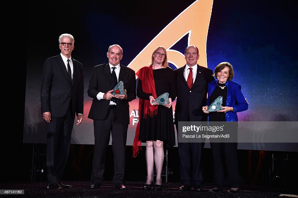 Ted Danson, Pr Ove Hoegh-Guldberg, Dr Margaret Leiden, Prince Albert II of Monaco and Dr. Sylvia Earle attend the 'Prince Albert II of Monaco's Foundation' Award Ceremony on October 12, 2014 in Palm Springs, California.