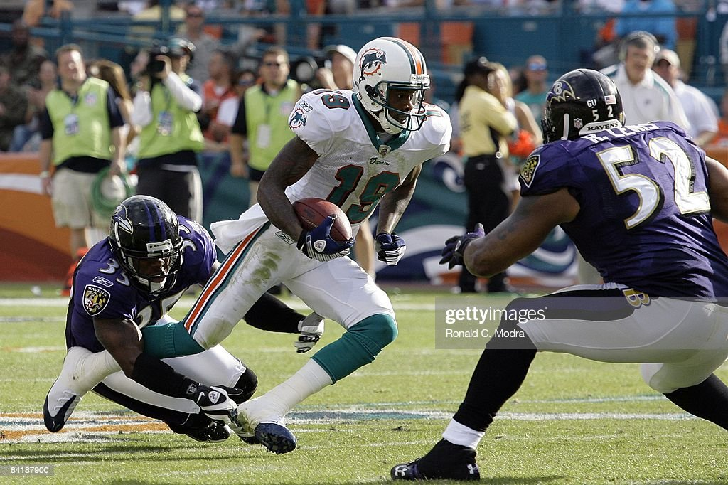 AFC Wild Card Game:  Baltimore Ravens v Miami Dolphins : News Photo