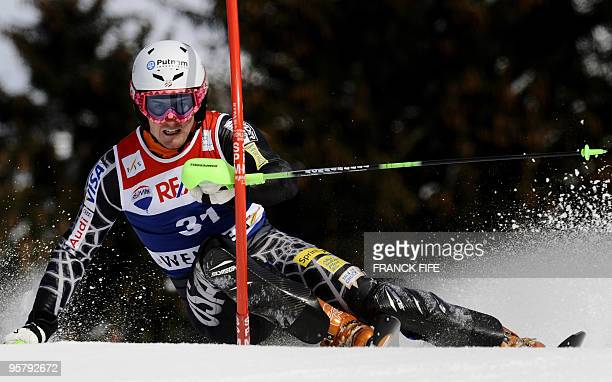 US Ted Ligety clears a gate during the 2nd round of the FIS World Cup Men's Super combinedSlalom in Wengen on January 15 2010 AFP PHOTO / FRANCK FIFE