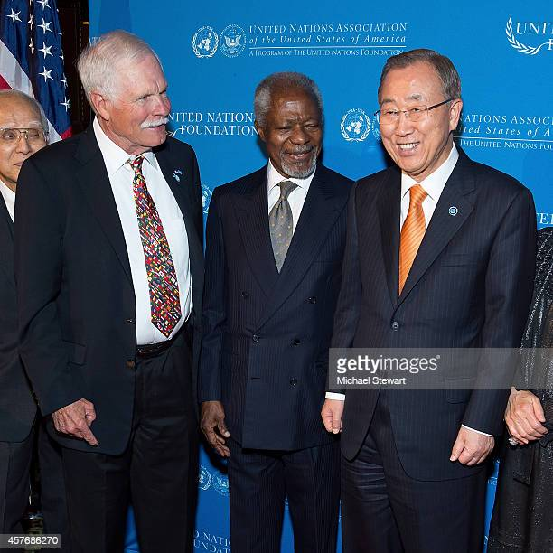 Ted Turner Former United Nations SecretaryGeneral Kofi Annan and United Nations SecretaryGeneral Ban Kimoon attend the 2014 Global Leadership Dinner...