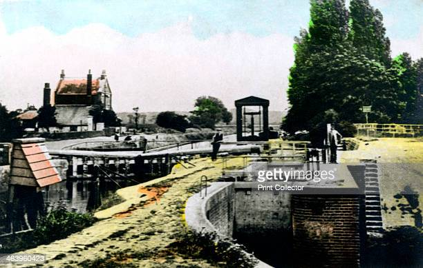 Teddington Lock Richmond London 1926 From the River Valleys set of handcoloured cigarette cards issued with Army Club Cigarettes Cavanders Ltd 1926