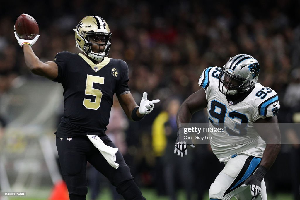 cheap for discount 2d8e8 045ca Teddy Bridgewater of the New Orleans Saints throws a pass ...