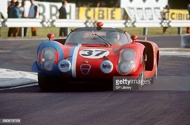 37 Teddy Pilette Rob Slotemaker Alfa Romeo T33 in the Ford Chicane just before the pits Le Mans 29 September 1968
