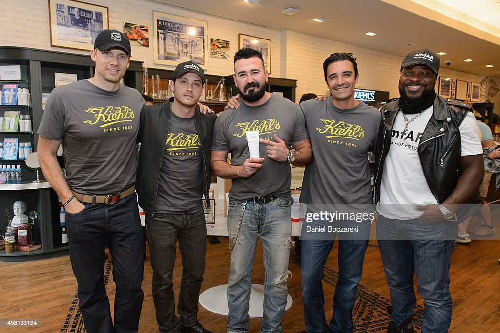 Teddy Sears, Jesse Lee Soffer, President of Kiehl's USA Chris Salgardo, Gilles Marini and Malcolm-Jamal Warner attend the Kiehl's LifeRide 2014 at Kiehl's Since 1851 Chicago on August 3, 2014 in Chicago, Illinois.