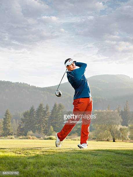 tee shot - ゴルフのスウィング ストックフォトと画像
