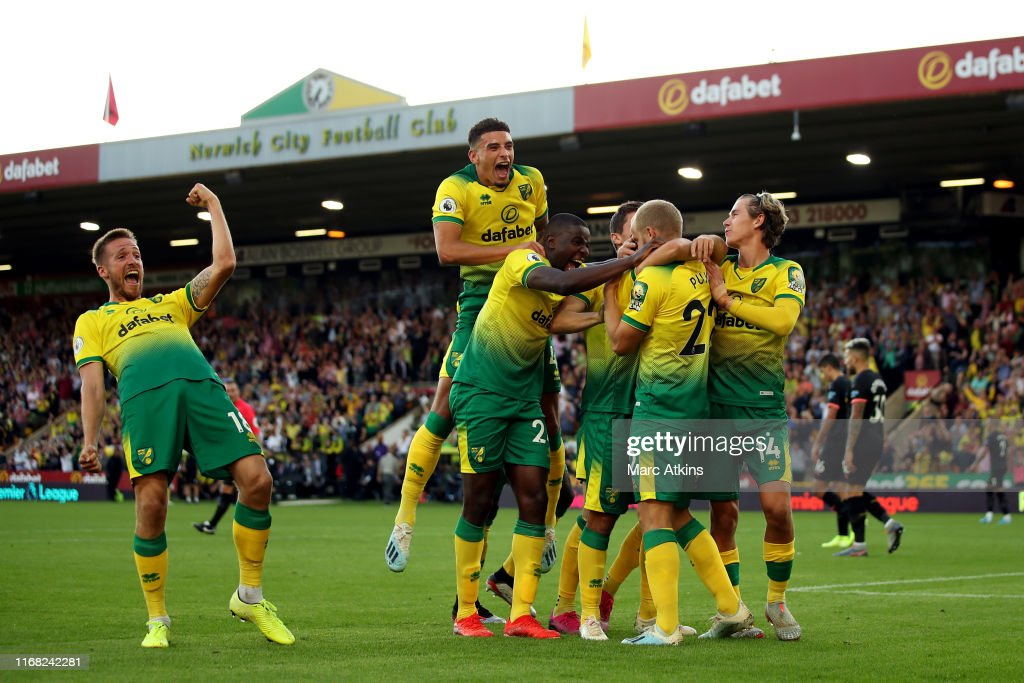 Norwich City v Manchester City - Premier League : ニュース写真