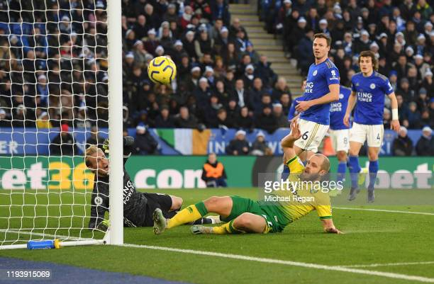 Teemu Pukki of Norwich City misses a chance as Kasper Schmeichel of Leicester City saves his shot during the Premier League match between Leicester...