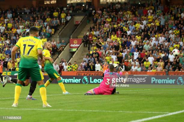 Teemu Pukki of Norwich City scores during the Premier League match between Norwich City and Manchester City at Carrow Road on September 14 2019 in...