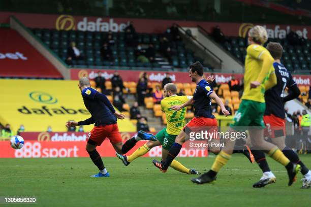 Teemu Pukki of Norwich City scores his team's first goal during the Sky Bet Championship match between Norwich City and Luton Town at Carrow Road on...