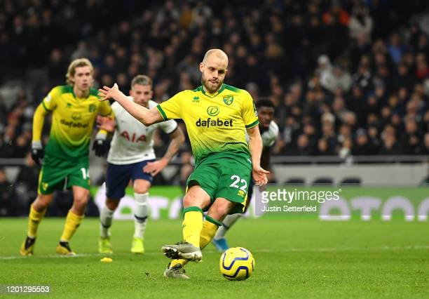 Teemu Pukki of Norwich City scores his team's first goal from the penalty spot during the Premier League match between Tottenham Hotspur and Norwich...
