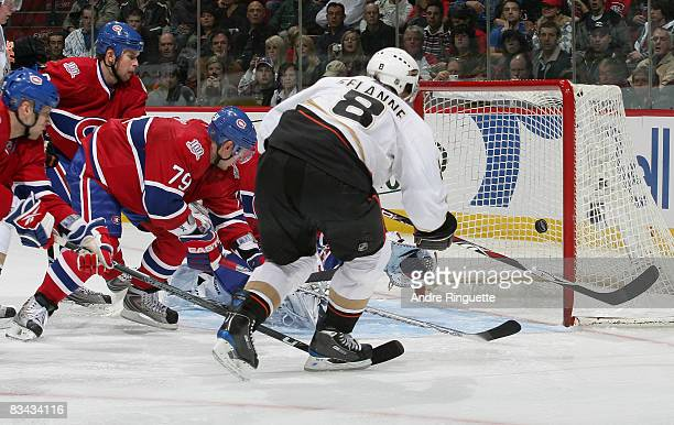 Teemu Selanne of the Anaheim Ducks scores a third period goal against the Montreal Canadiens at the Bell Centre on October 25 2008 in Montreal Quebec...