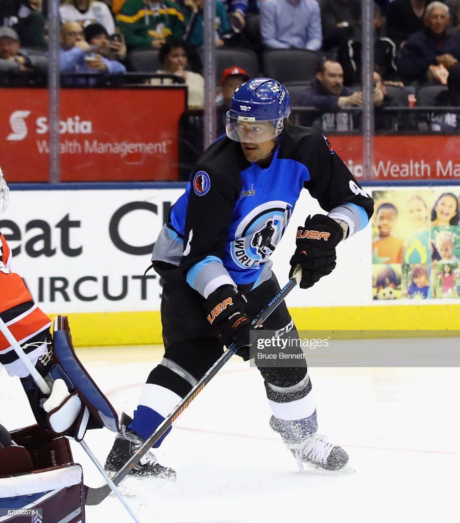 Teemu Selanne #8 skates during the Legends Classic game at the Air Canada Centre on November 12, 2017 in Toronto, Canada.