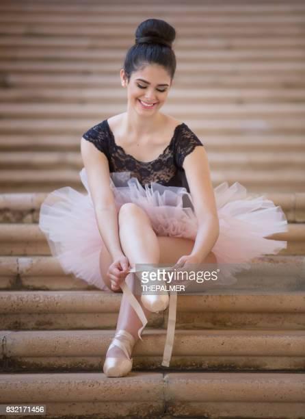 teen ballerina - balletttänzer stock-fotos und bilder