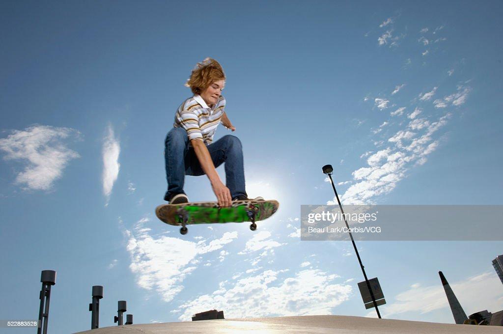 hairy-pussy-teen-guys-perform-stunts