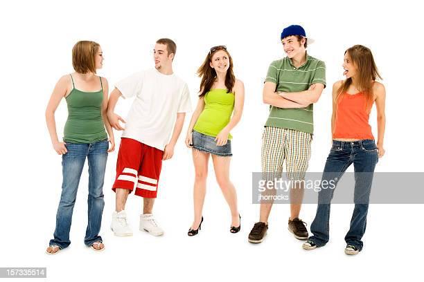 adolescents amis goofing de réduction - ado minijupe photos et images de collection