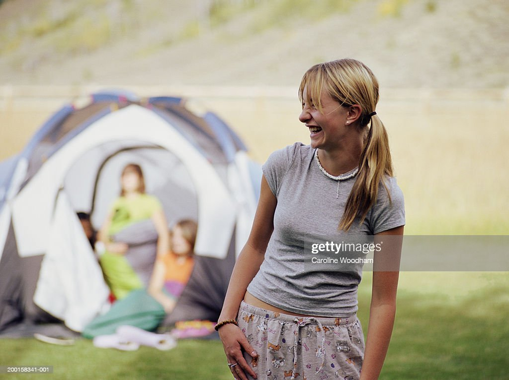 teen-girls-in-tent-freepornostars
