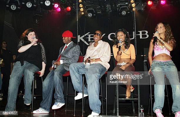 Teen People's Music Editor Zena Burns Def Jam recording artist NeYo Def Jam president and CEO Shawn 'Jay Z' Carter and RocAFella recording artists...