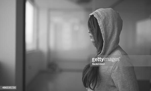 teen problems - hopeloosheid stockfoto's en -beelden