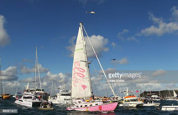 Teen sailor Jessica Watson arrives in Sydney following her world record attempt to become the youngest person to sail solo nonstop and unassisted...