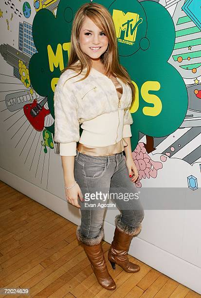 Teen singer JoJo poses backstage after an appearance on MTV's Total Request Live at MTV Studios September 27 2006 in New York City