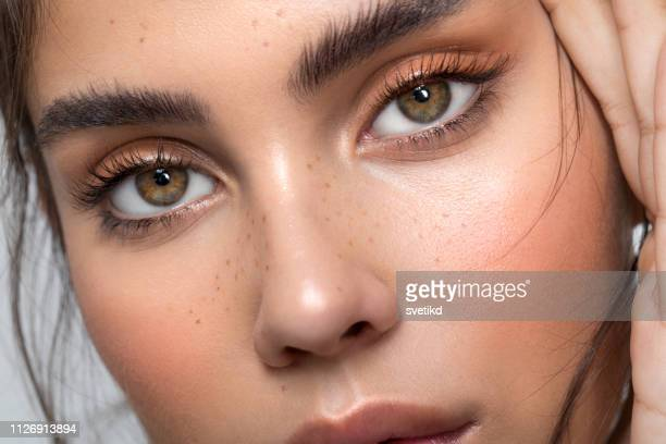 teenage beauty - eyebrow stock pictures, royalty-free photos & images