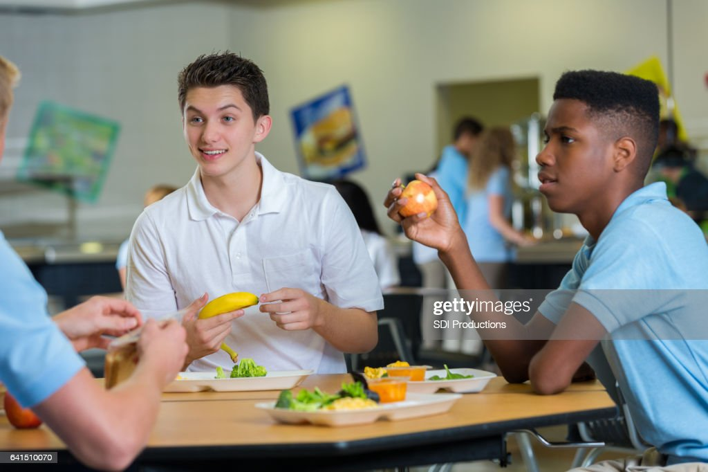 eating from the school cafeteria education essay Eating the right foods at lunch will help power your child's brain so she is able to be successful at school if your child does not eat lunch, she may be lacking the vitamins and minerals she needs for her brain to work well so she can learn and retain classroom material.