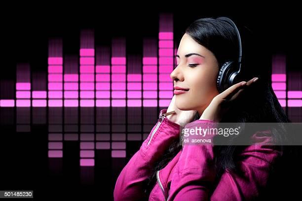 Teenager Mädchen hören Musik