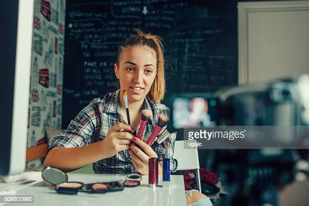 Teenager-Mädchen, die Ihr Video Blog.