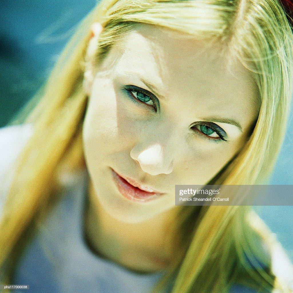 Teenage girl, portrait : Stockfoto