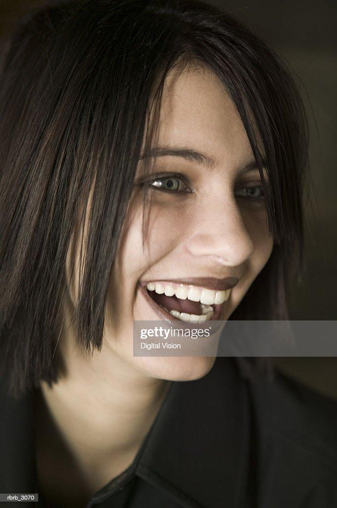 Teenage girl smiling : Foto de stock