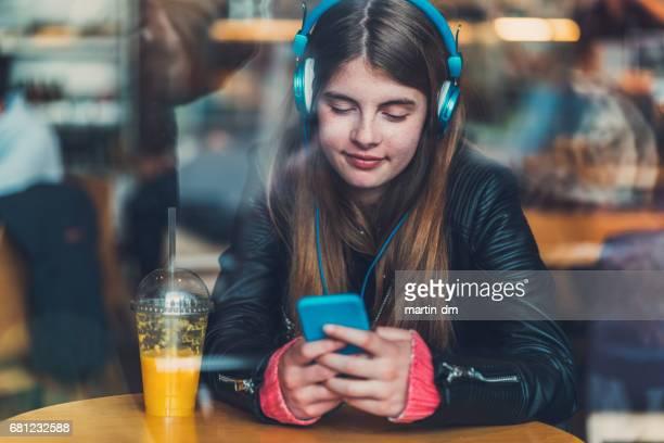 Teenager-Mädchen Text-messaging
