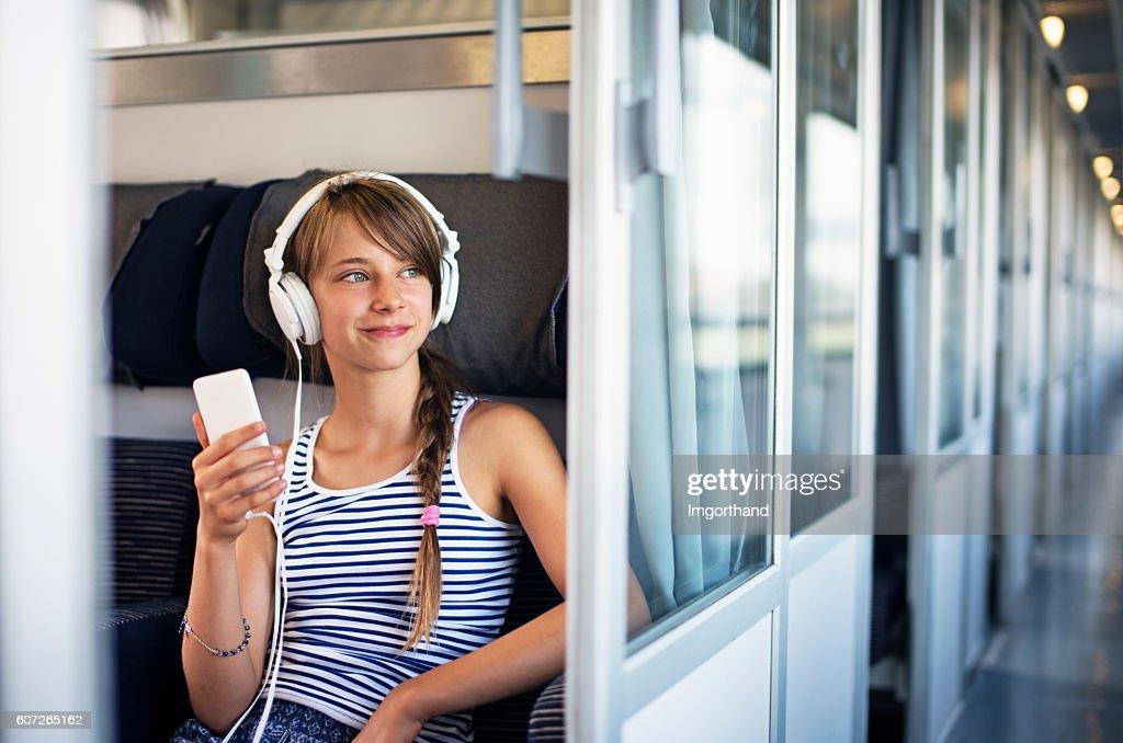 have-pet-photo-teen-train-thrust-next-door