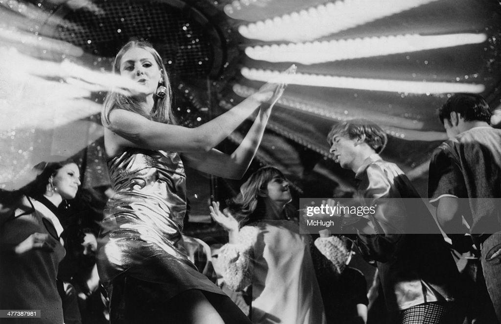 Disco Dancing : News Photo