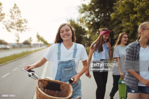 teenage girls - only teenage girls stock pictures, royalty-free photos & images