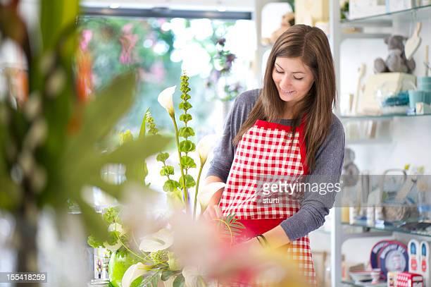 Adolescente de compras asistente