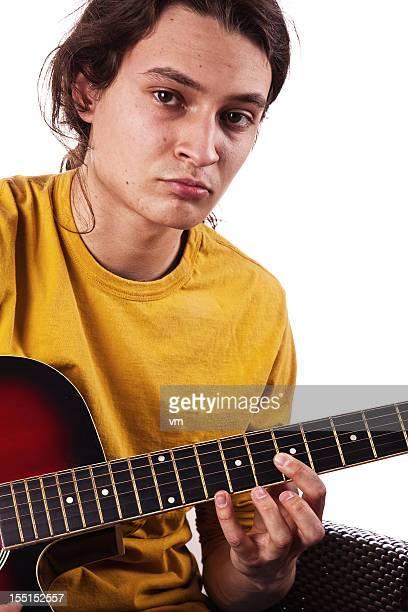 Teenager spielen Gitarre