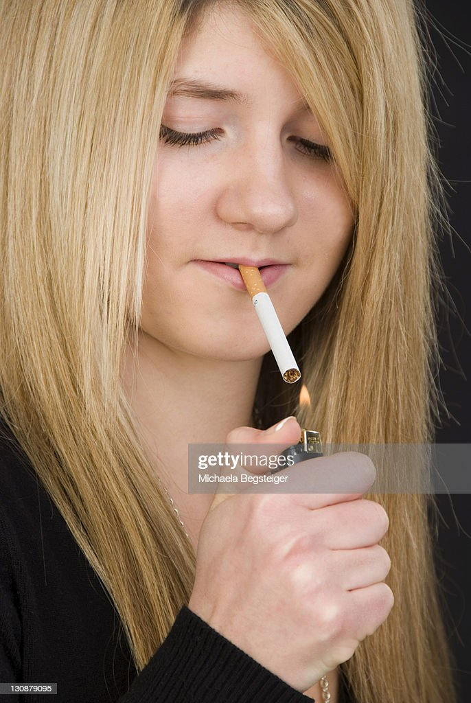 blonde-teen-smoking-this-gave-brice-an-idea-lesbians