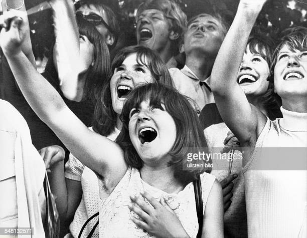 Teenagers at a rock concert 1970 Photographer Rudolf Dietrich Vintage property of ullstein bild