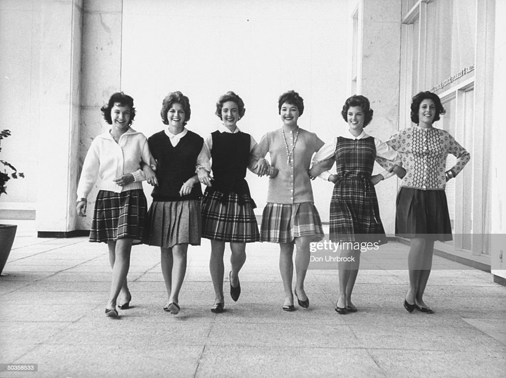 Teenagers modeling short skirts.  (Photo : News Photo