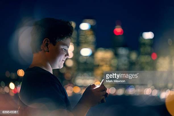 teenagers on iPhones