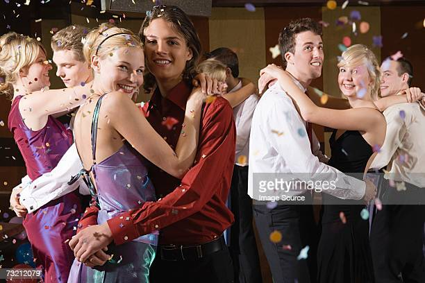 teenagers slow dancing - prom stock pictures, royalty-free photos & images