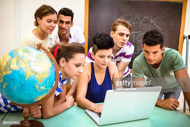 teenagers working togetherness on the classroom