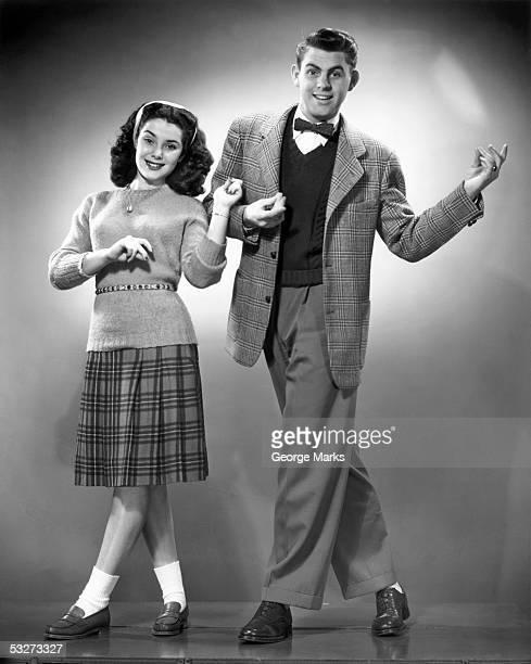bb005376 teens dancing - 1950 stockfoto's en -beelden