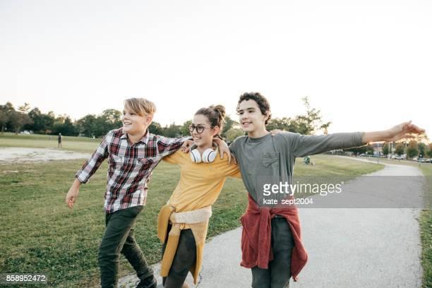 Adolescents s'amuser