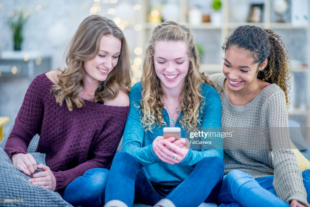 Teens mit Technologie : Stock-Foto