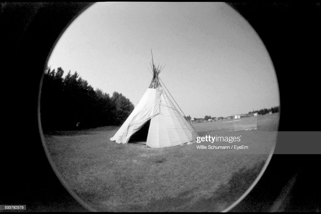 Teepee In Field : Foto stock