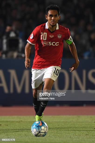 Teerasil Dangda of Muangthong United in action during the AFC Champions League Round of 16 match between Kawasaki Frontale and Muangthong United at...
